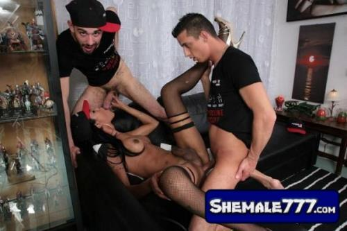 TransBella: Priscylla Modella - Latina Tgirl Priscylla Modella Enjoys Two Cocks In Steamy Threesome (720p, MP4)