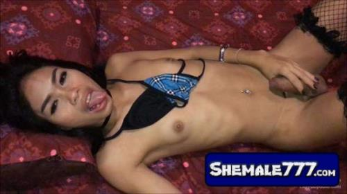 LadyBoyGold, LBGirlFriends: Phatida - Rimming and Facial [MP4, 1080p]