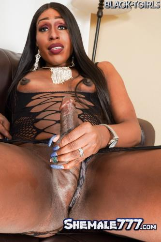 Grooby, Black-TGirls: Veronica Richards - Strokes Her Cock! (FullHD 1080p)