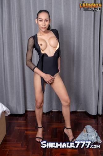 LadyBoy: EikQ - Gorgeous EikQ Is Here Again! (FullHD 1080p)