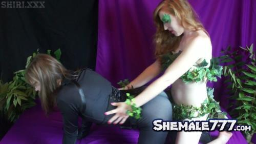 SHIRI, ManyVids: Shiri Trap, Lianna Lawson - Ivy Tames the Cat (feat. Lianna Lawson) (FullHD 1080p)