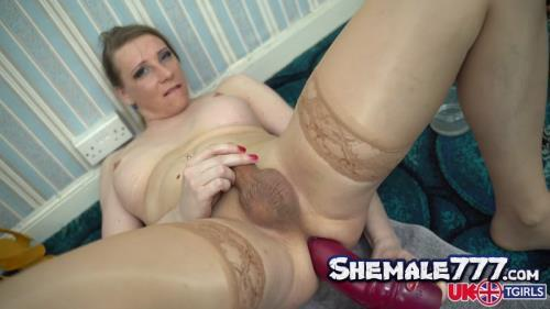 Uk-tgirls: Red Vex - Anal Lust And Cumshot! (FullHD 1080p)
