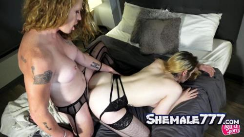 Tgirls.porn: Brittany Star, Bella Bates - Shemale On Shemale (HD 720p)