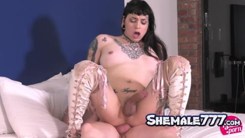Tgirls.porn: Cassie Woods, Trixxy Von Tease - Shemale On Shemale (HD 720p)
